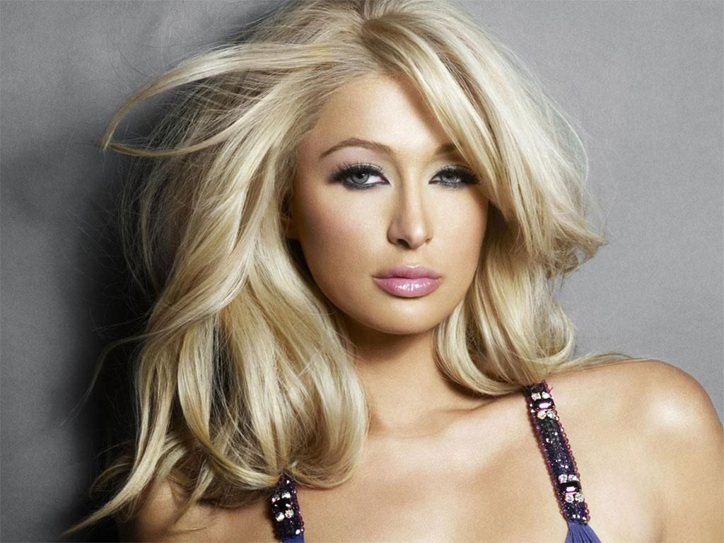 Paris-hilton-hot-pose