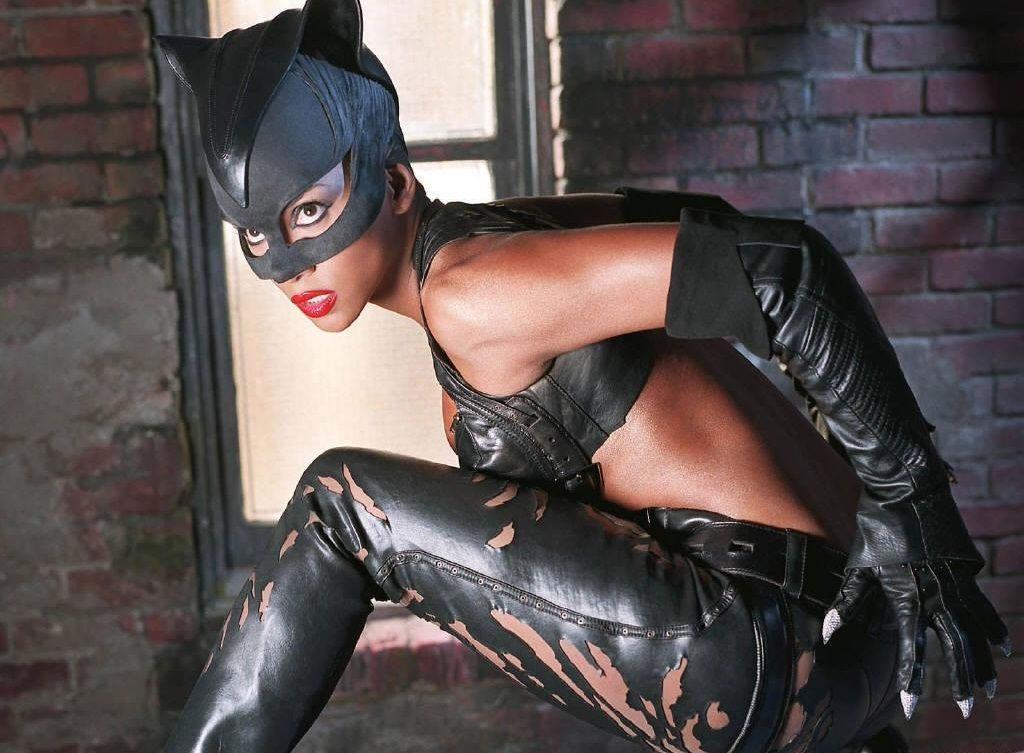 Catwoman_(Halle_Berry)_5