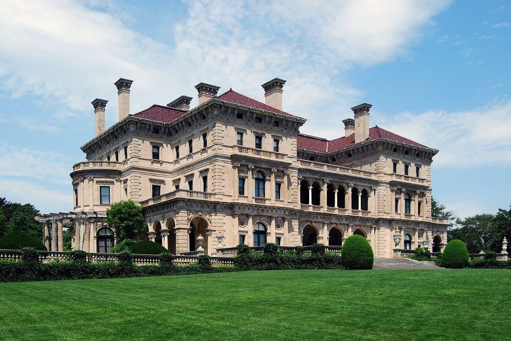 Vanderbilt Family: Built Grand Central Terminal in New York