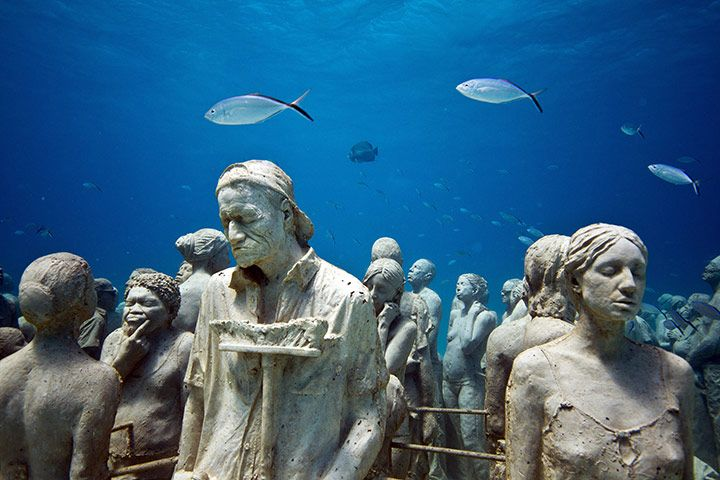 Underwater-sculptures-Can-002