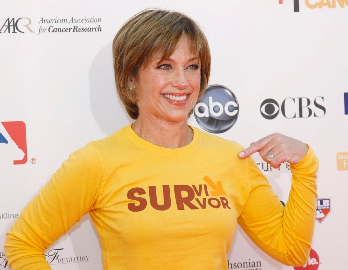 """Former U.S. figure skating Olympic champion Dorothy Hamill poses at the """"Stand Up To Cancer"""" television event aimed at raising funds to accelerate innovative cancer research at the Sony Studios Lot in Culver City, California"""