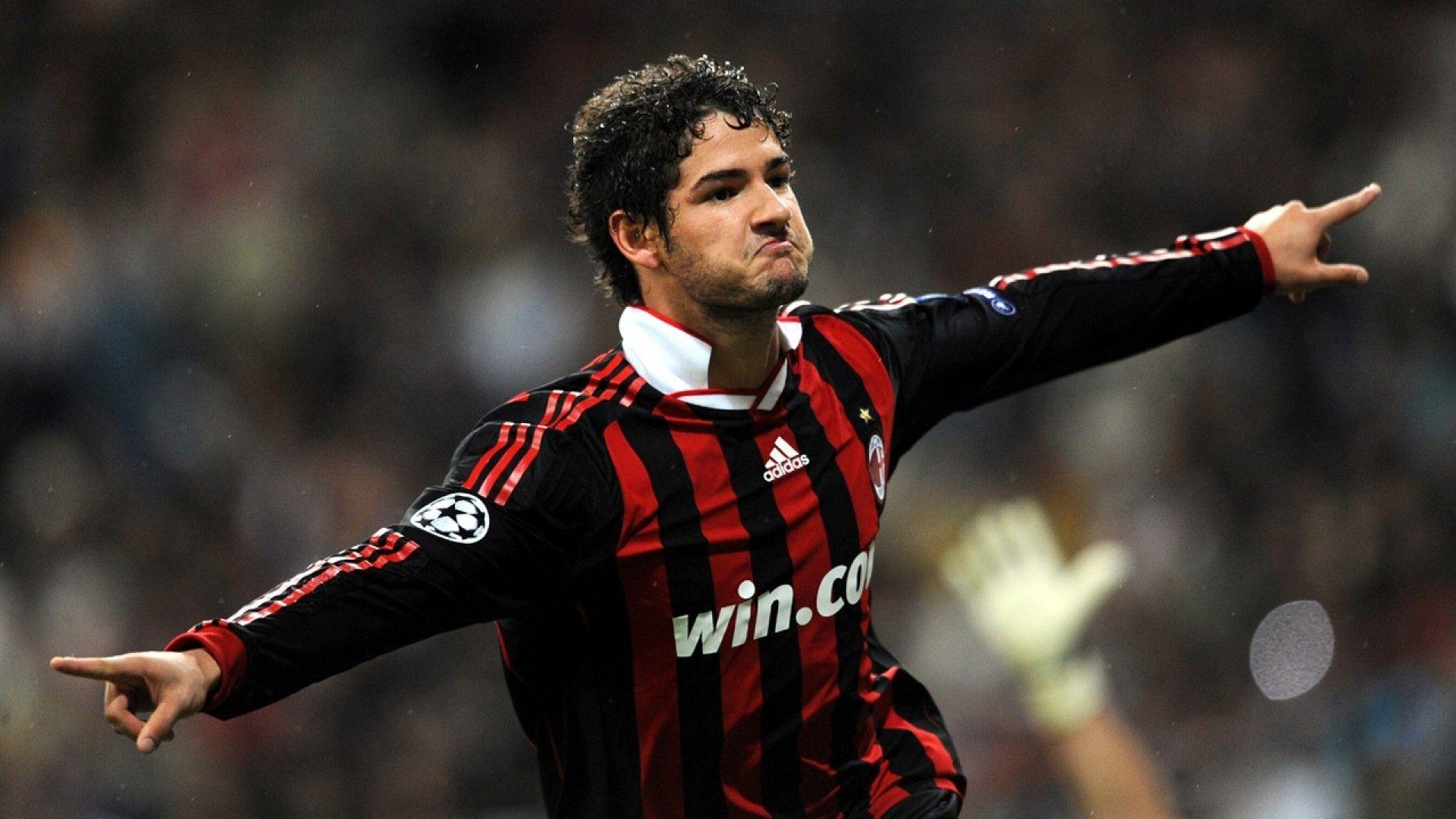 Soccer-Ac-Milan-Alexandre-Pato-1080x1920