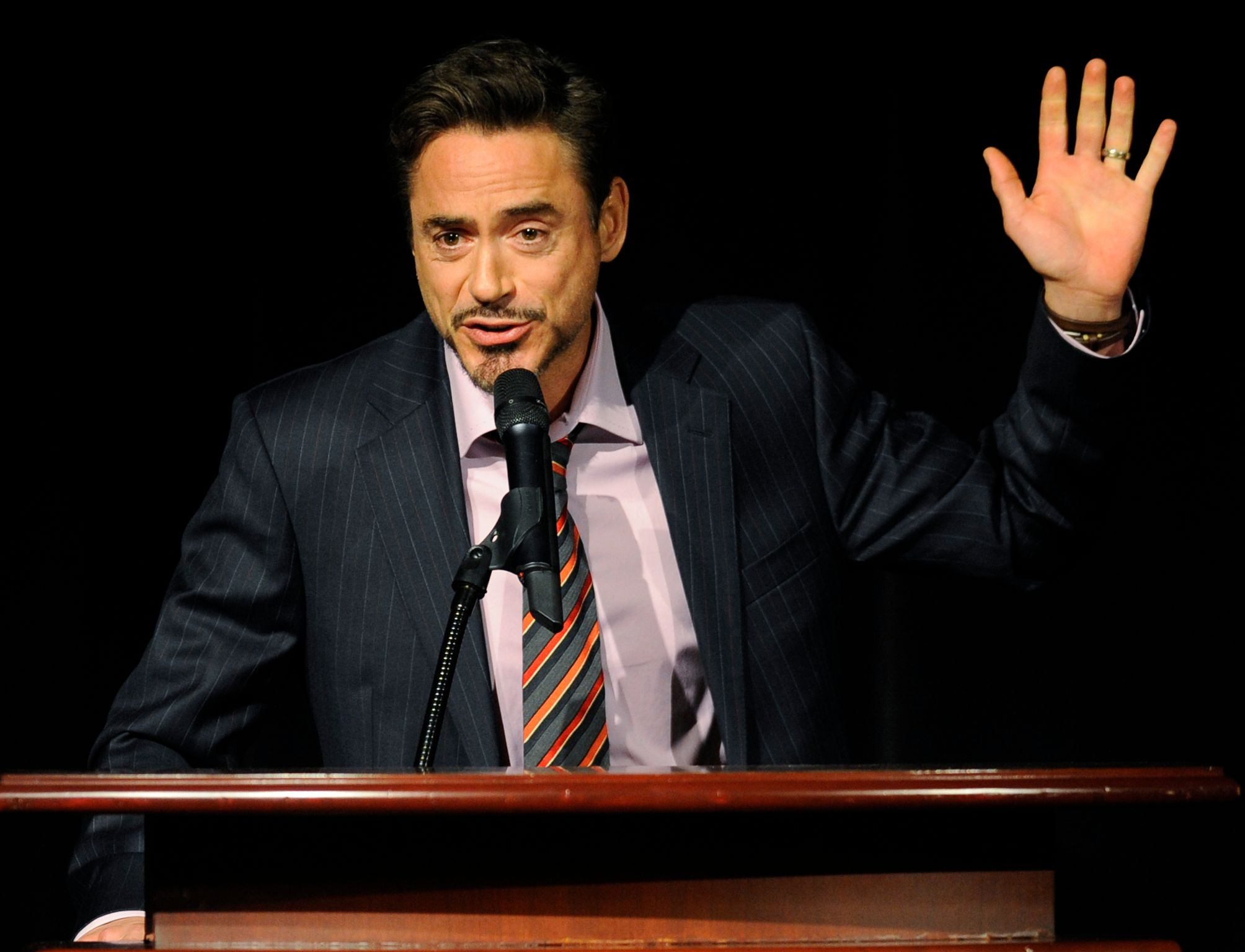 10-Celebrities-With-The-Best-Social-Media-Skills-Robert-Downey-Jr The 10 Most Popular Celebrities on Social Media The 10 Most Popular Celebrities on Social Media aptr rdj1