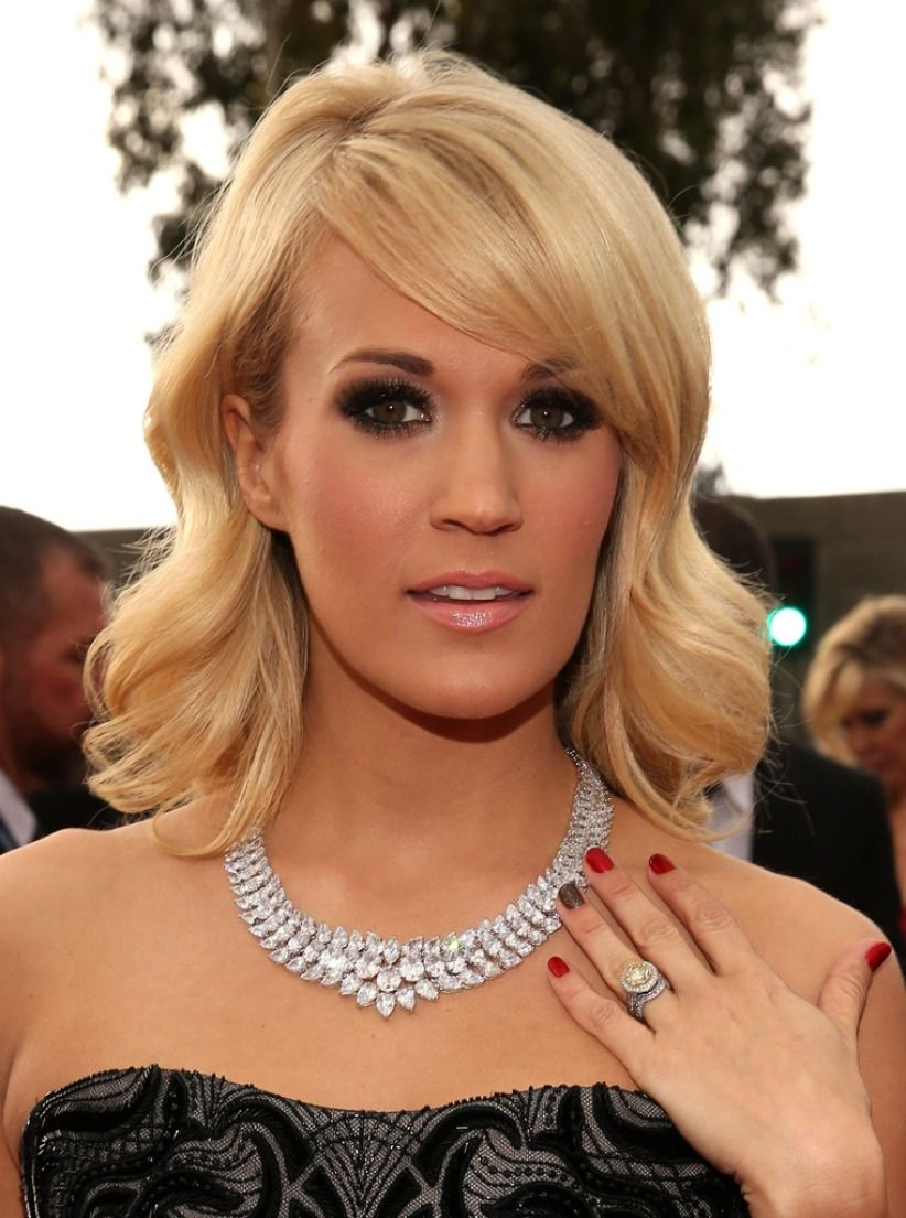 via:imgarcade.com Top 10 Most Expensive Red Carpet Jewels Ever Worn Top 10 Most Expensive Red Carpet Jewels Ever Worn Carrie