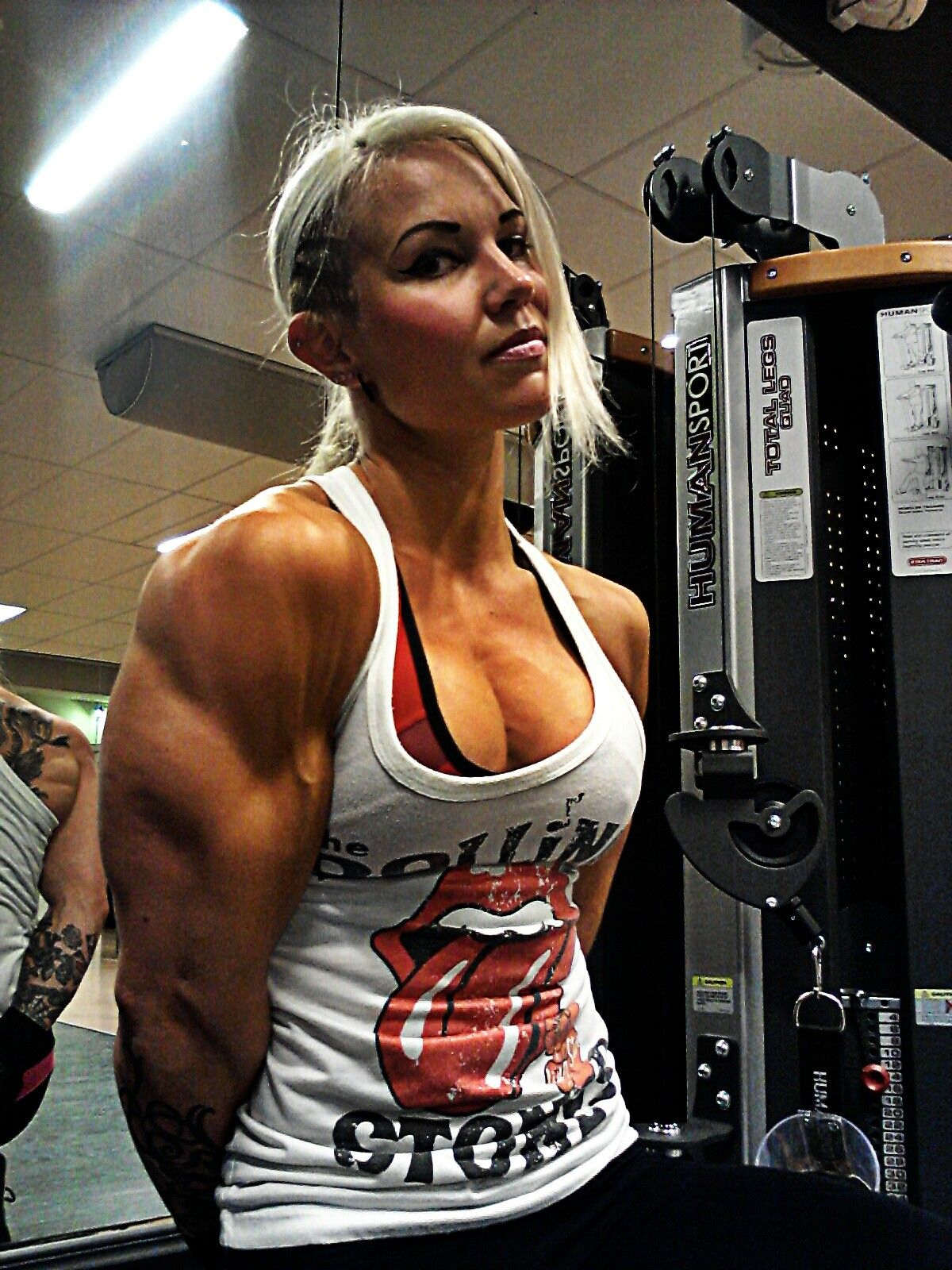 Via girlswithmuscle.com