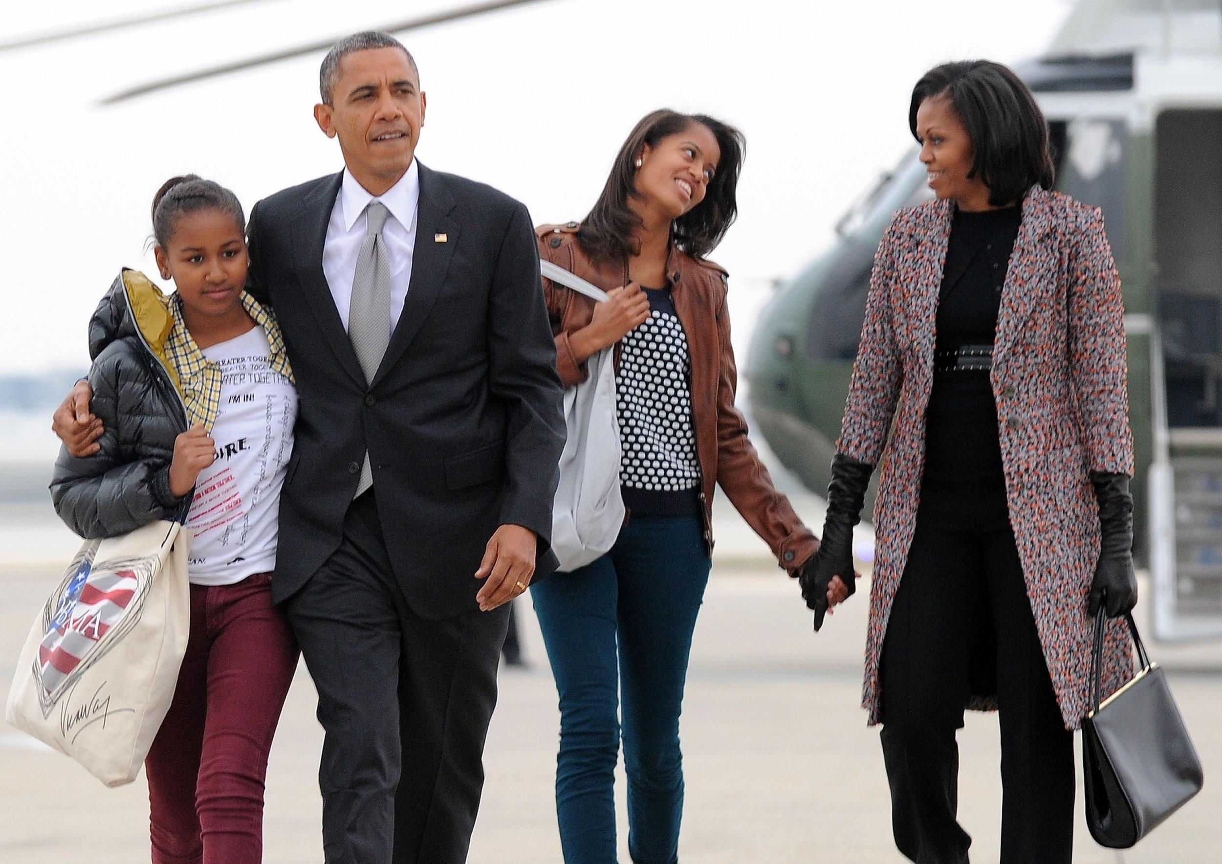 5. Sasha and Malia Obama