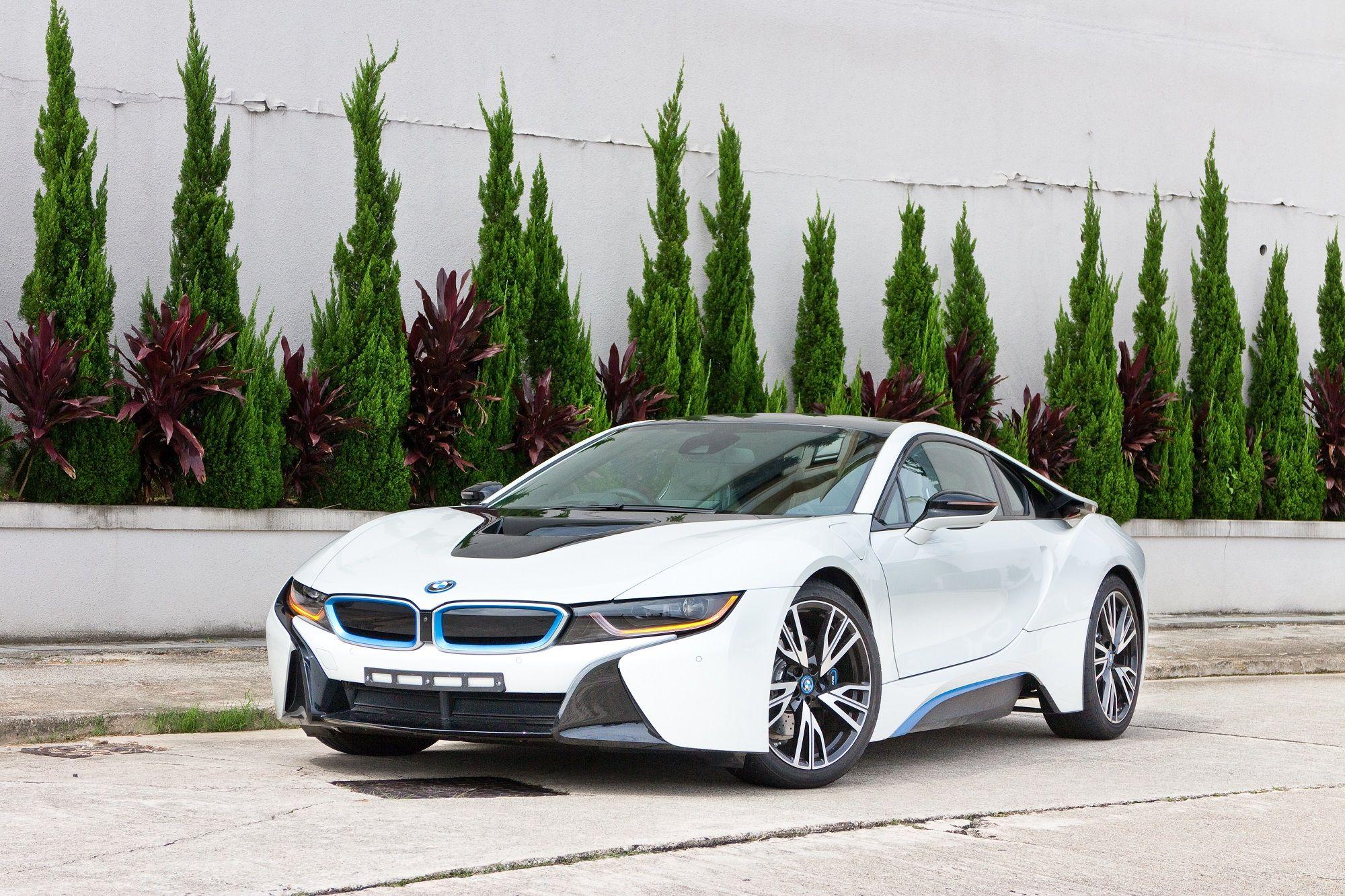 shutterstock_BMW i8