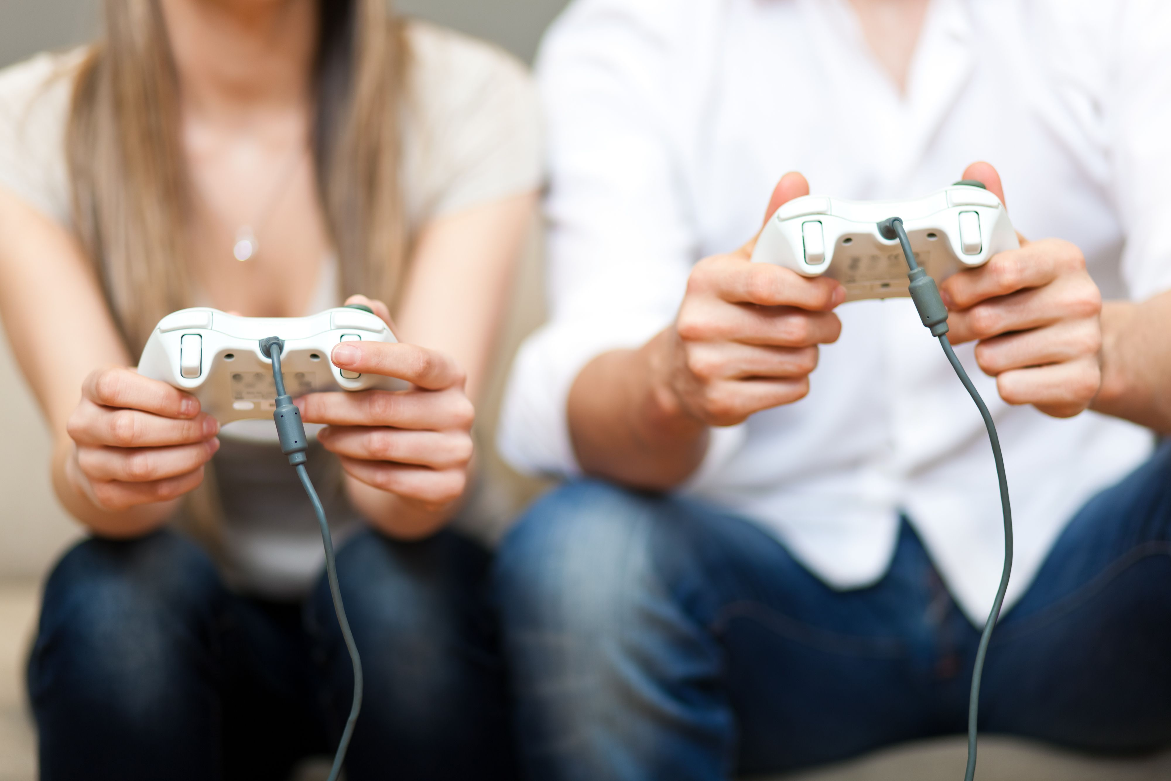The 10 Best Reasons To Date A Gamer