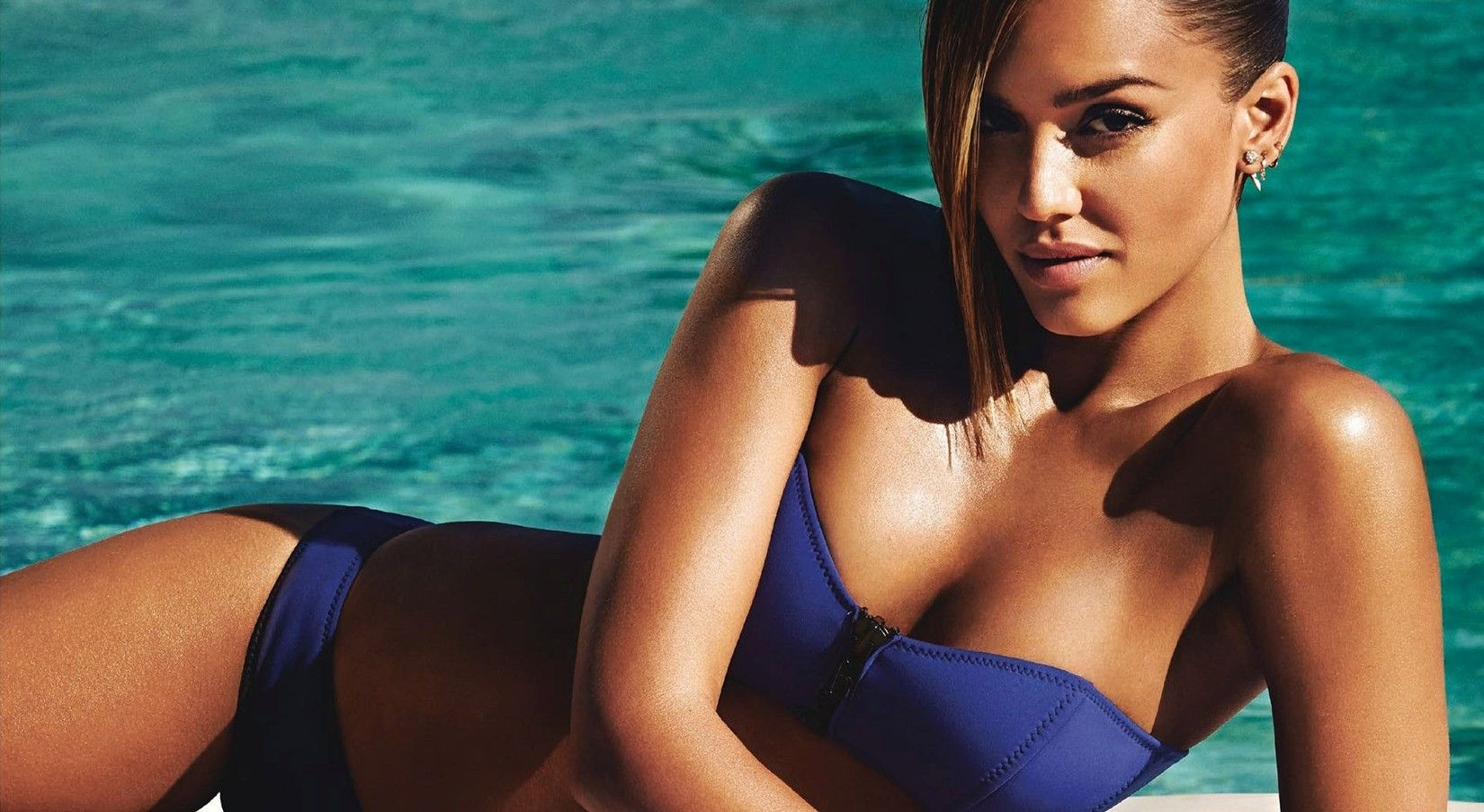 15 Celebrity Moms With The Best Bikini Bodies