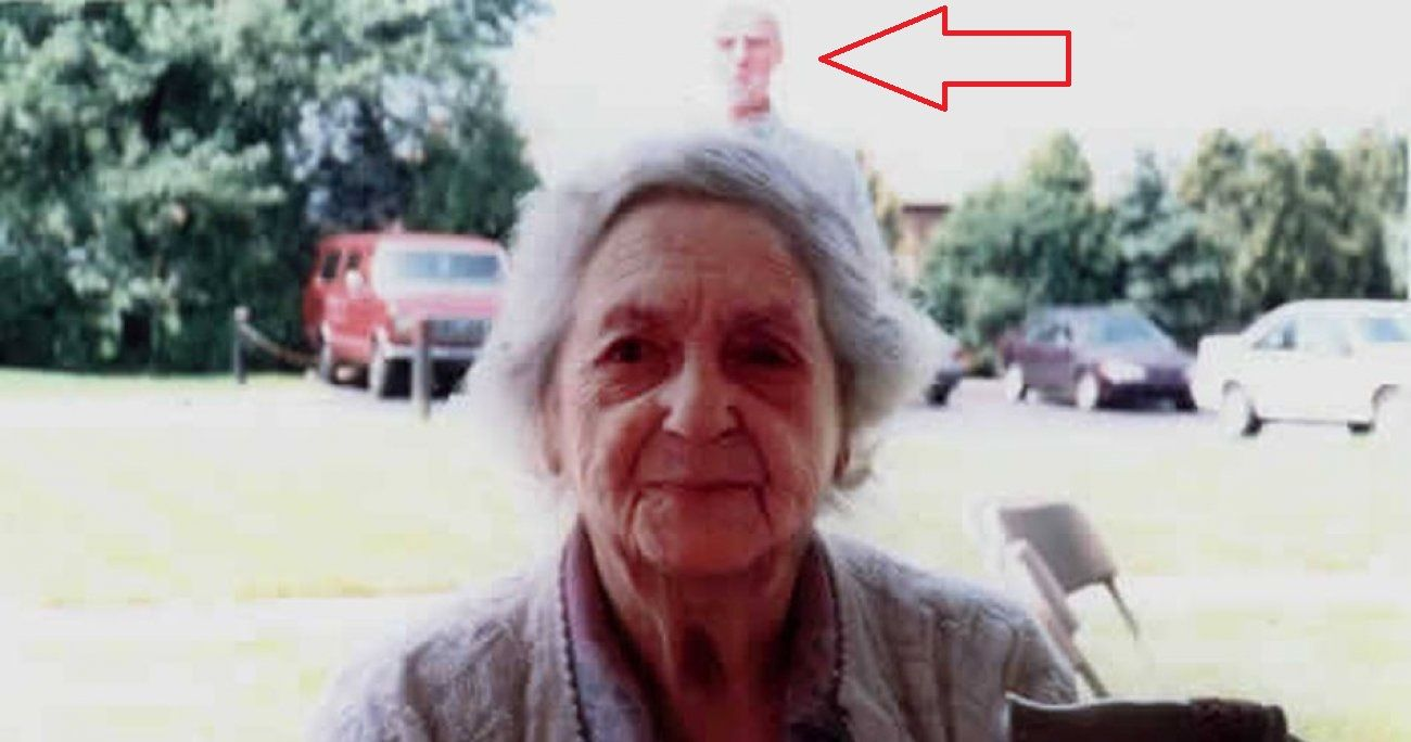 20 of the Most Convincing Photos of Ghosts Ever Taken