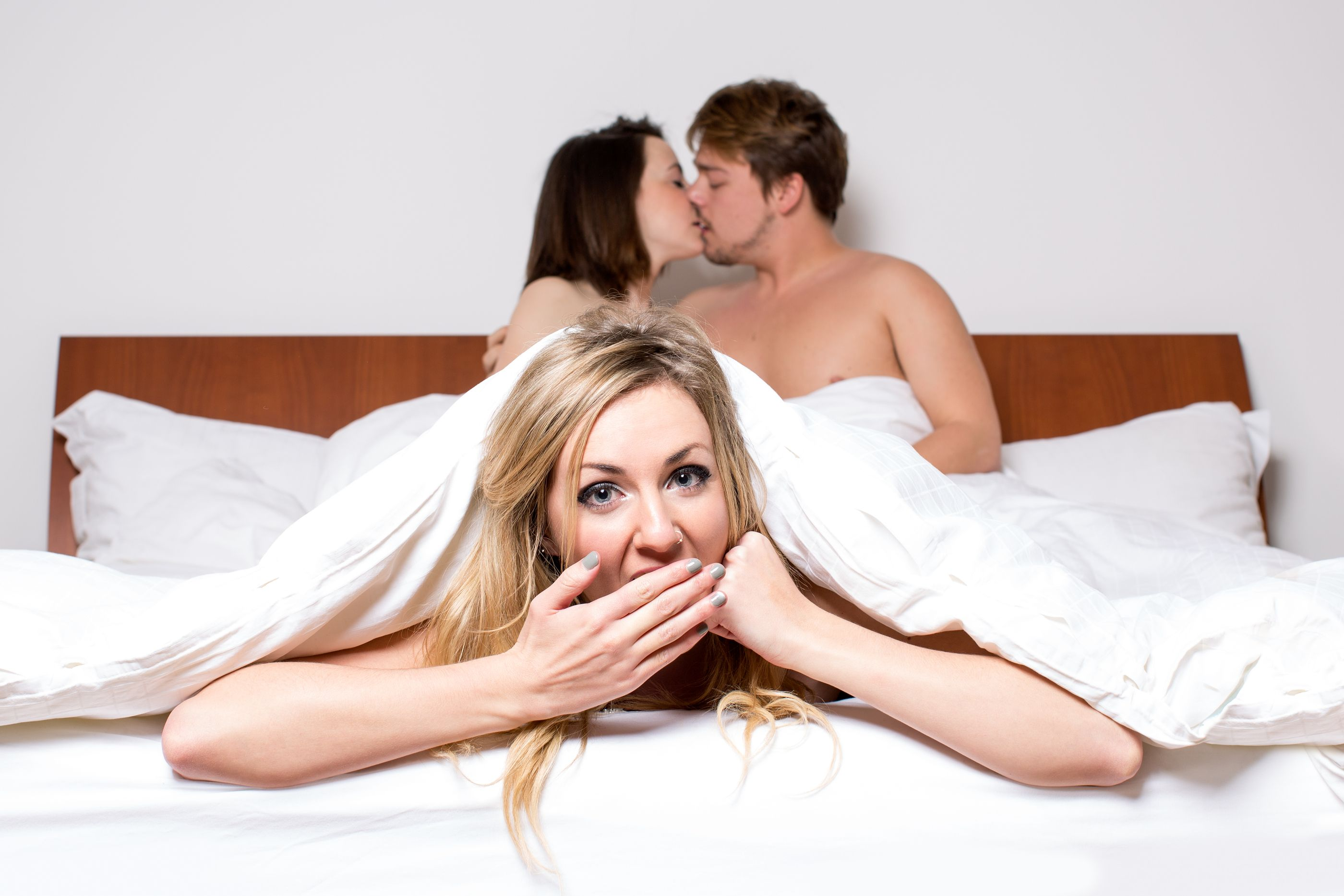 10 Signs You Should Stop Sleeping With Them