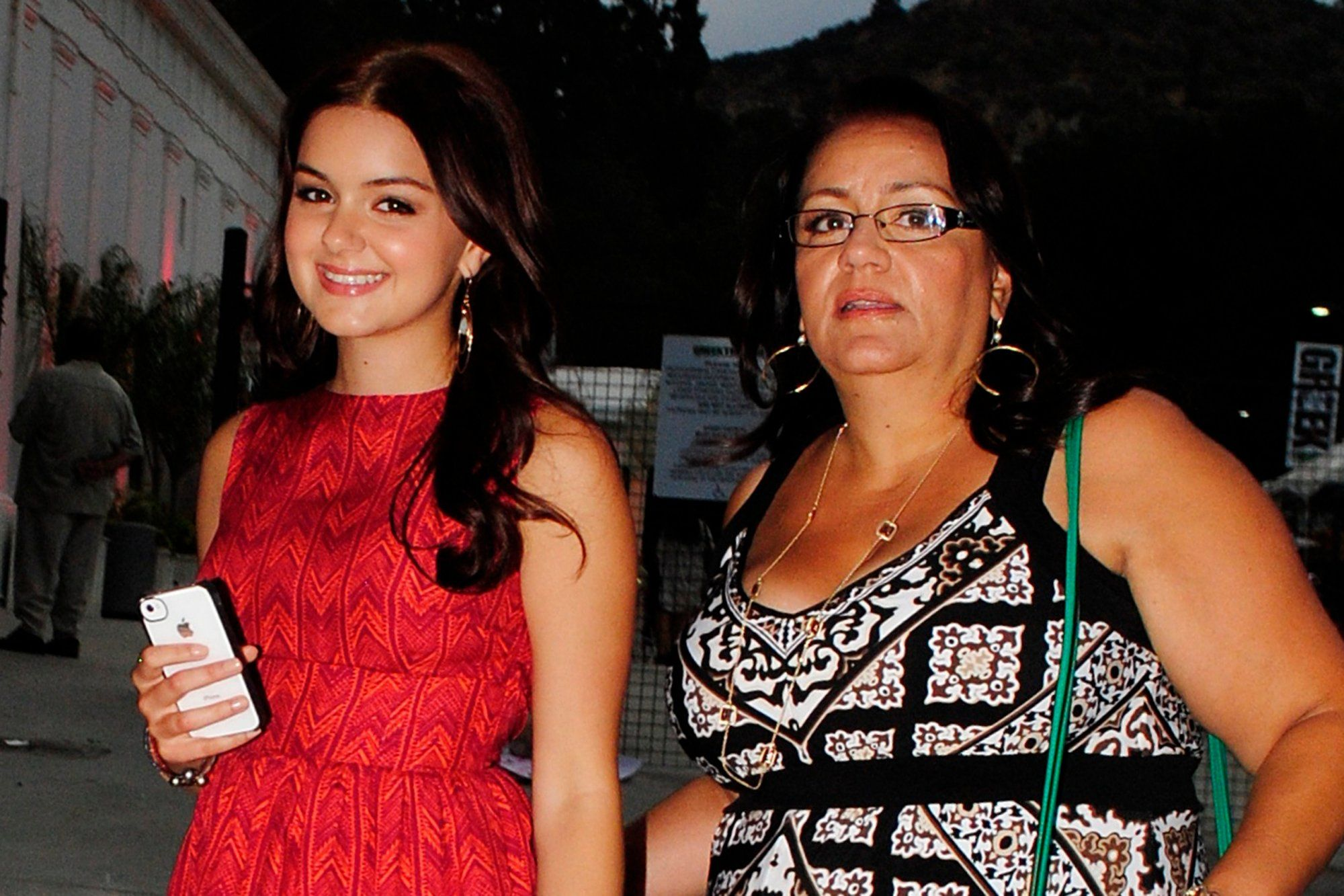 10 Celebs Who Turned Their Backs on Their Parents