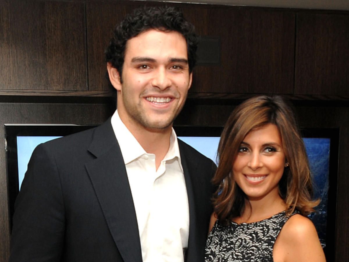 Via http://www.nbclosangeles.com/entertainment/celebrity/Jamie_Lynn_Sigler_Responds_to_Mark_Sanchez_Rumors_All__National_.html