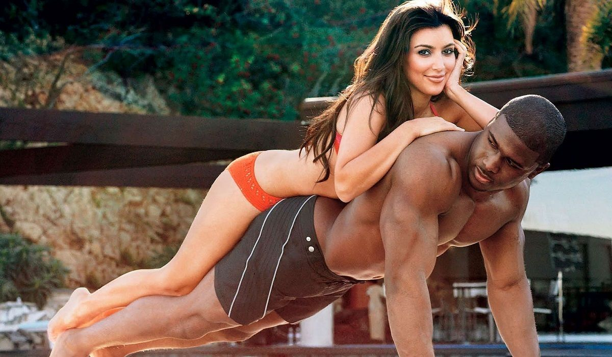 15 Hot Celebs Who Slept With Football Players