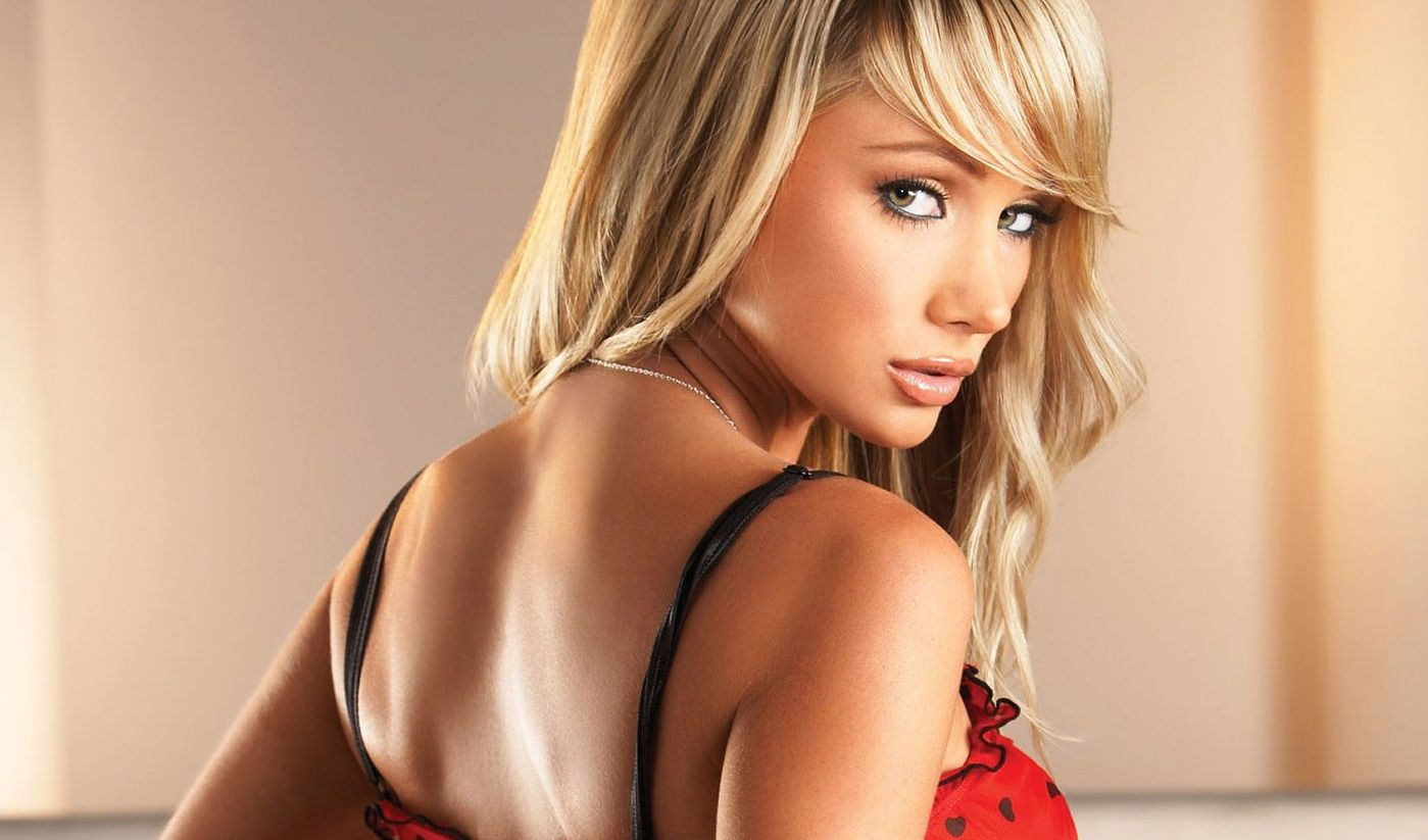 Top 15 Hottest Playmates Of The Month Of July