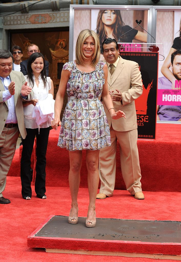 bc168bdf1608cf 3 Looking Fabulous Outside Grauman s Chinese Theatre In Hollywood. Jennifer  Aniston ...