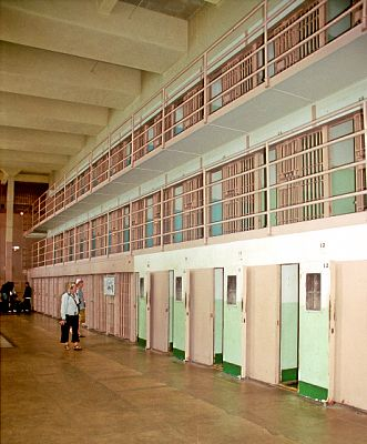 Alcatraz_-_D_Block_(1038970038)