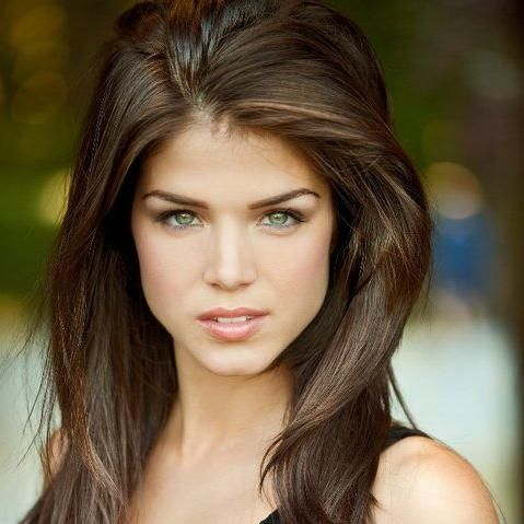 Les nuits sont longues [Chris & Lily] Marie-Avgeropoulos2